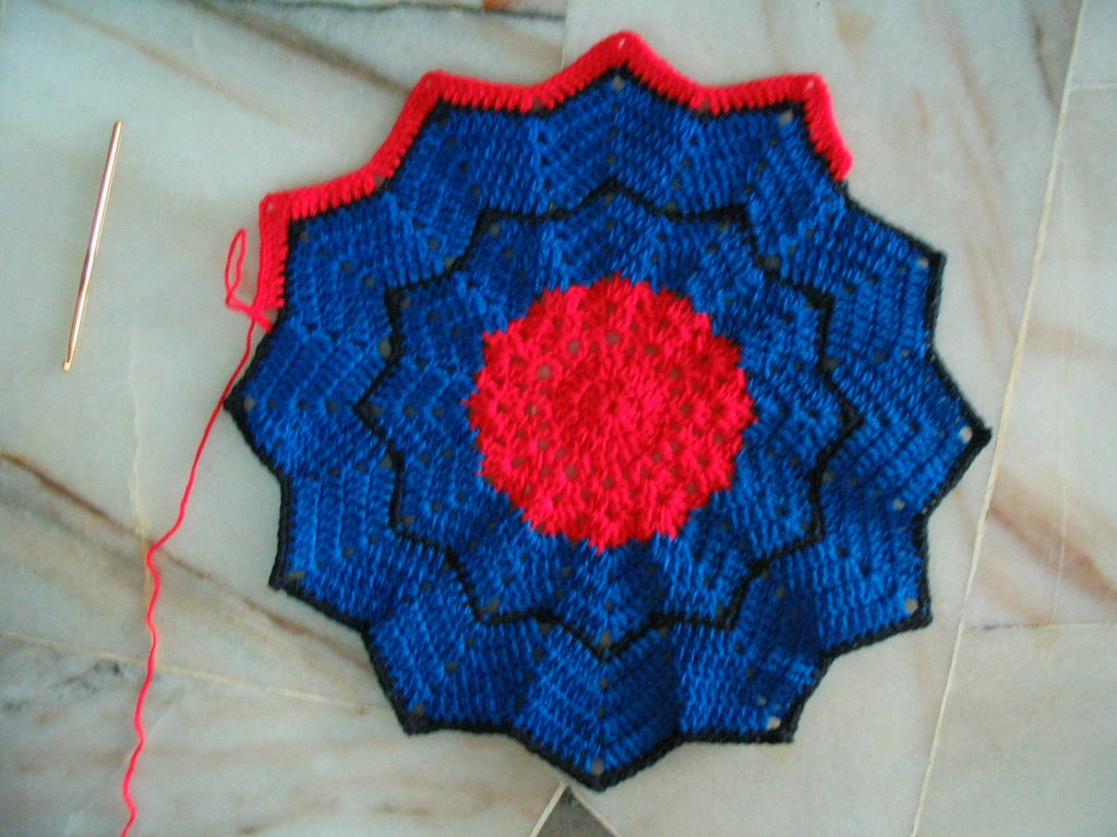 Cyn\'s Crochet & Knitting Corner: Spiderman Afghan (crochet)