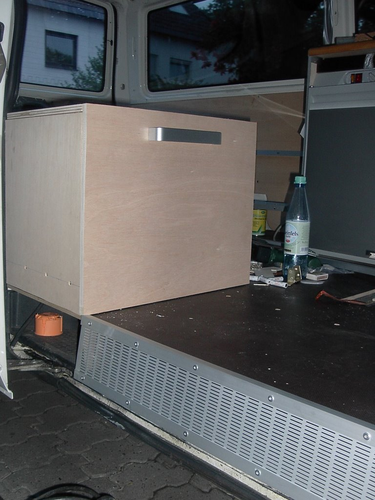 pimp my transporter h lfte vom bett stizecke fertig. Black Bedroom Furniture Sets. Home Design Ideas