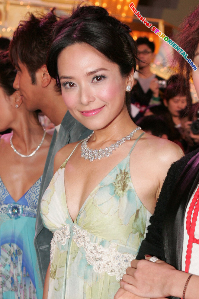 HK Artists and Celebrities: Sonjia Kwok at TVB 38th ...: http://hkartists.blogspot.com/2005/11/sonjia-kwok-at-tvb-38th-anniversary.html