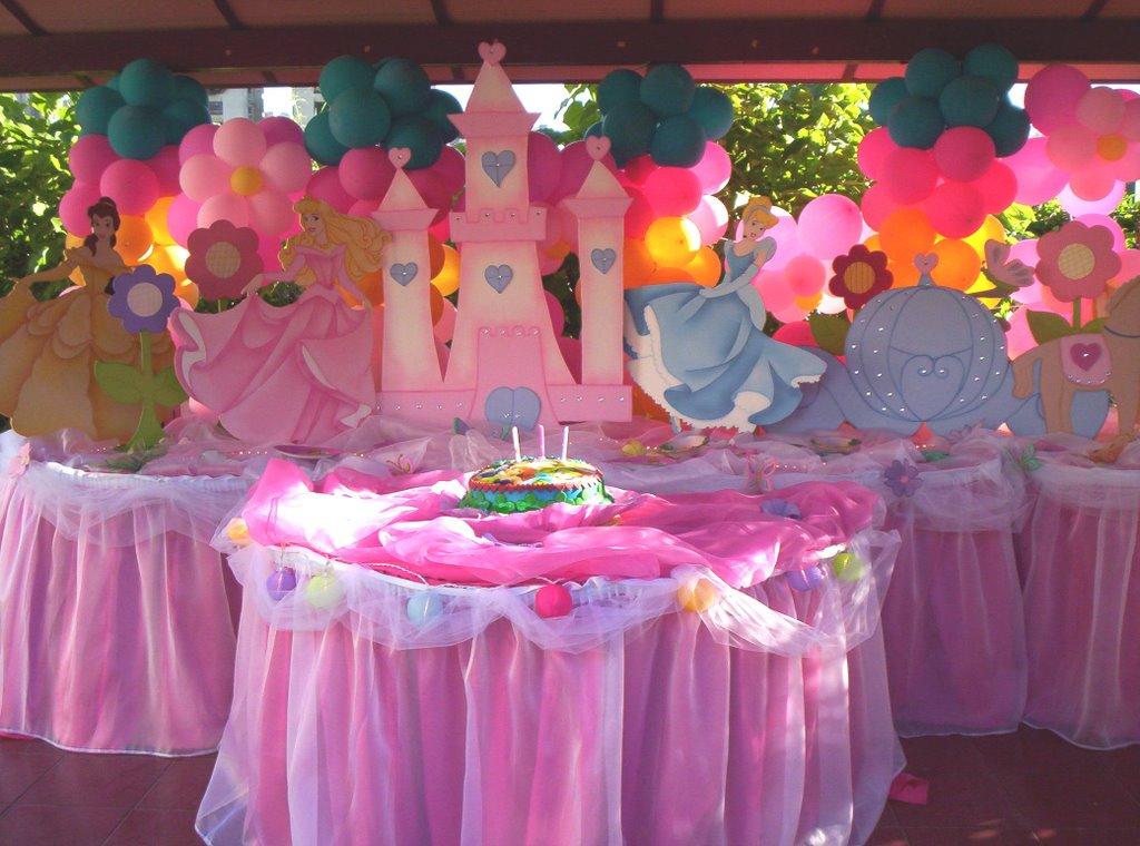 Decoracion de mesas princess sofia fiesta de la princesa for Decoracion de princesas