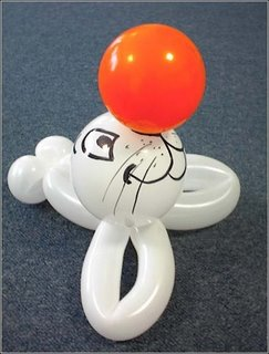 sea lion model made from balloon