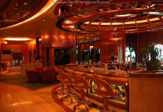 World's largest cruise - Explorer of The Seas : bar