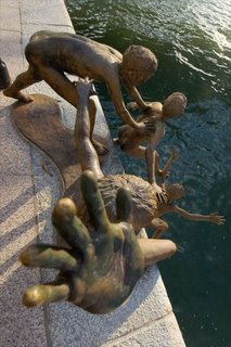 sculpture jump to the river