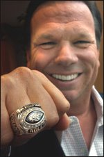 Lipinski shows off his NFC championship ring