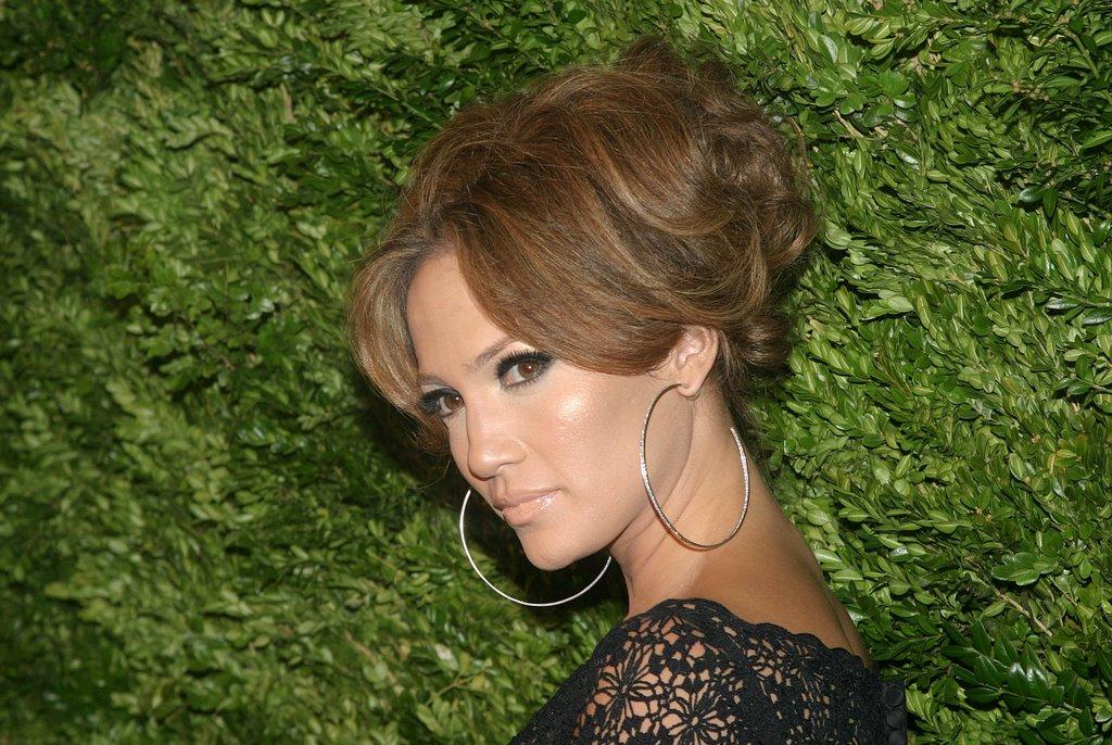 Повышеный рост волос на теле угри выпадение волос худоба какие