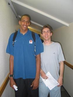 Avec Alexis Ajinça, très grand espoir (2m13) du basket français qui vient de terminer son cursus à l'INSEP et ne sait pas encore quel club il rejoindra la saison prochaine