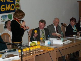 The Krakow Conference: a Polish MEP receives native Polish seeds as a symbolic 'No To GMO' for the EU Parliament.