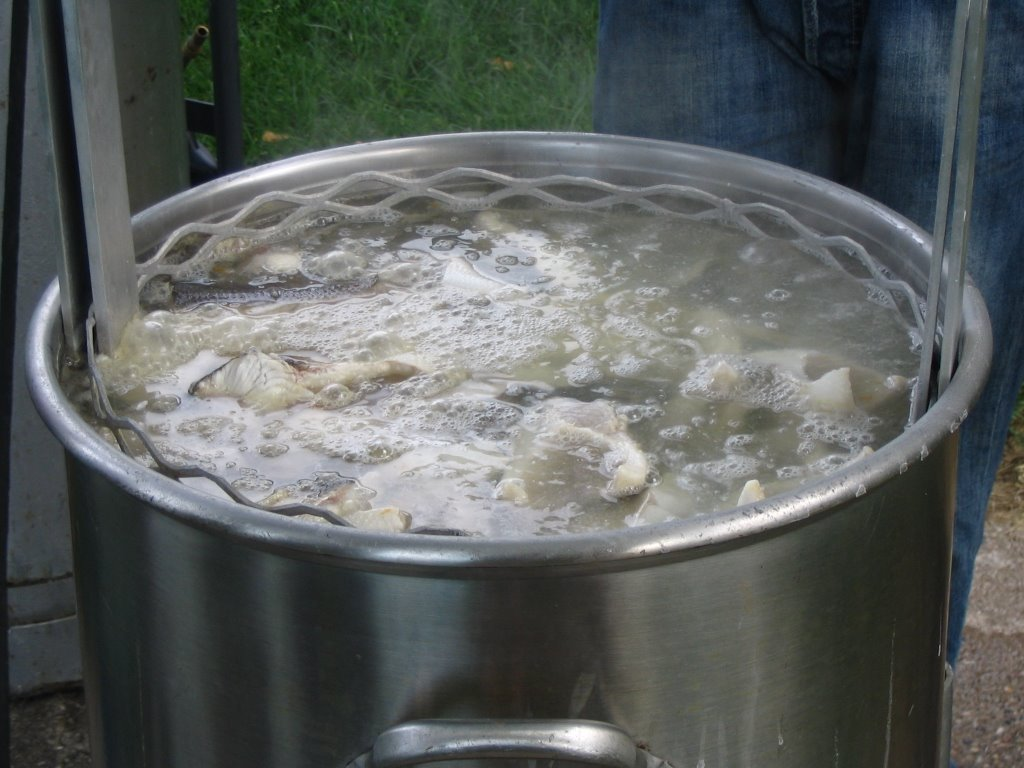 Dine well the authentic wisconsin fish boil for Wisconsin fish boil