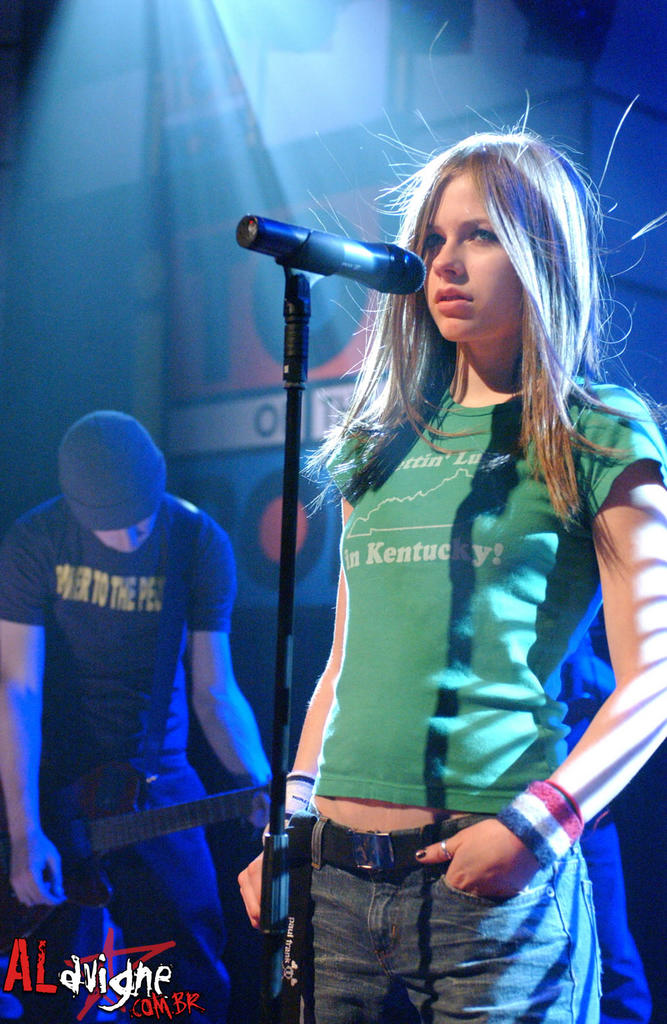 Mariana's English blog: September 2005 Avril Lavigne Complicated