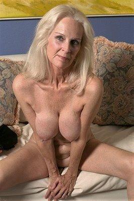 mamie toute nue lolo salope