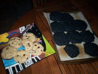 Fabulous Chocolate Chip Cookies on the left.  Cookies of death on the right.