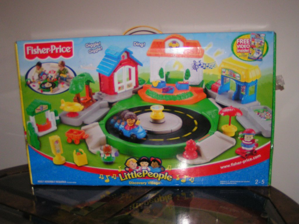 Things I Would Like To Sell Fisher Price Little People