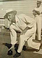 lawn bowler