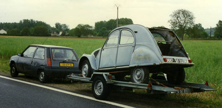 le garage de la nationale 7  citroen 2cv az 1955