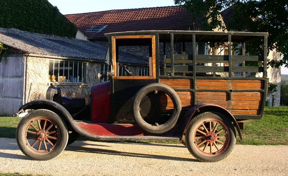 Le garage de la nationale 7 ford t 1926 01 arriv e for Garage ford vienne