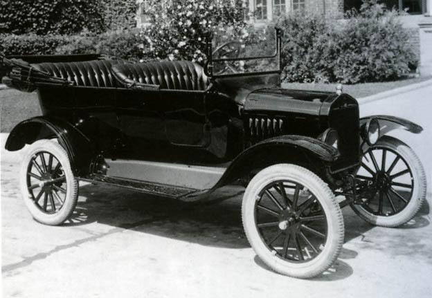 Le garage de la nationale 7 ford t 1926 01 arriv e for Garage ford le plessis grammoire