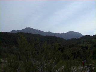 Vista de la Sierra Crestellina desde el Rio Genal