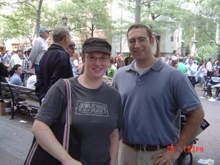 Esther Kustanowitz and Drew Kaplan at rally at UN on 20 September 2006