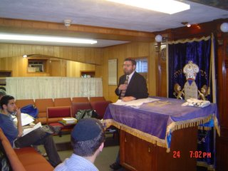 Rabbi Klapper speaking on