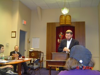 Rabbi Klapper speaking on Israeli and American rabbinates