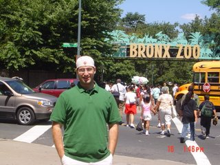 Drew in front of the Bronx Zoo