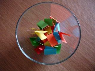 Resultado de imagen de bol con papelitos