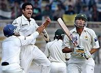Pathan's second-Younis