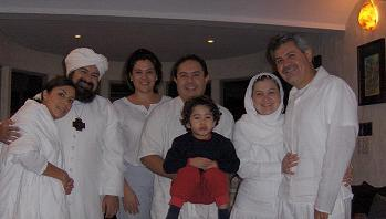 Esposos Gomez-Martinez y Gomez-Barragan con el Sheikh y la Mata Ji GG::