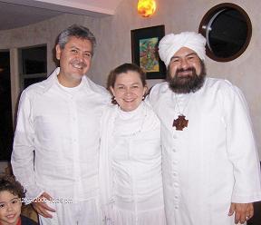 Bruno, sobrino de Mauricio, esposa Monica y el Sheikh GG::