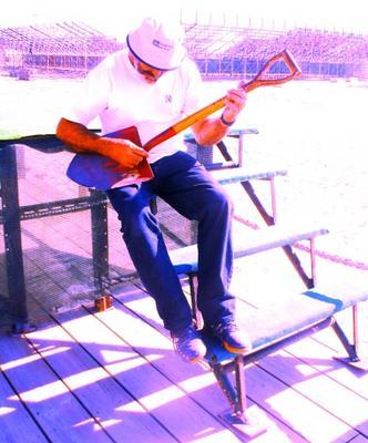 «gUITAR hEROE», DE pAULO dÂMASO jULHO/2005