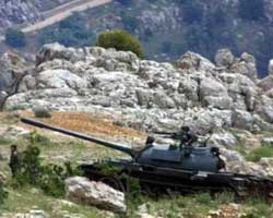 Tanc de l'exèrcit libanès desplegat a Yanta a la frontera amb Síria, durant els enfrontaments entre soldats libanesos i milícies palestines prosirianes.