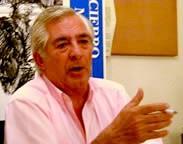 Navalón dando una charla en la Asociación El Toro de Madrid