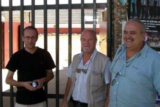 Los amigos de Céret, en la puerta de la plaza vieja de Guadarrama