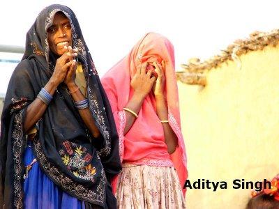 Mogiya women
