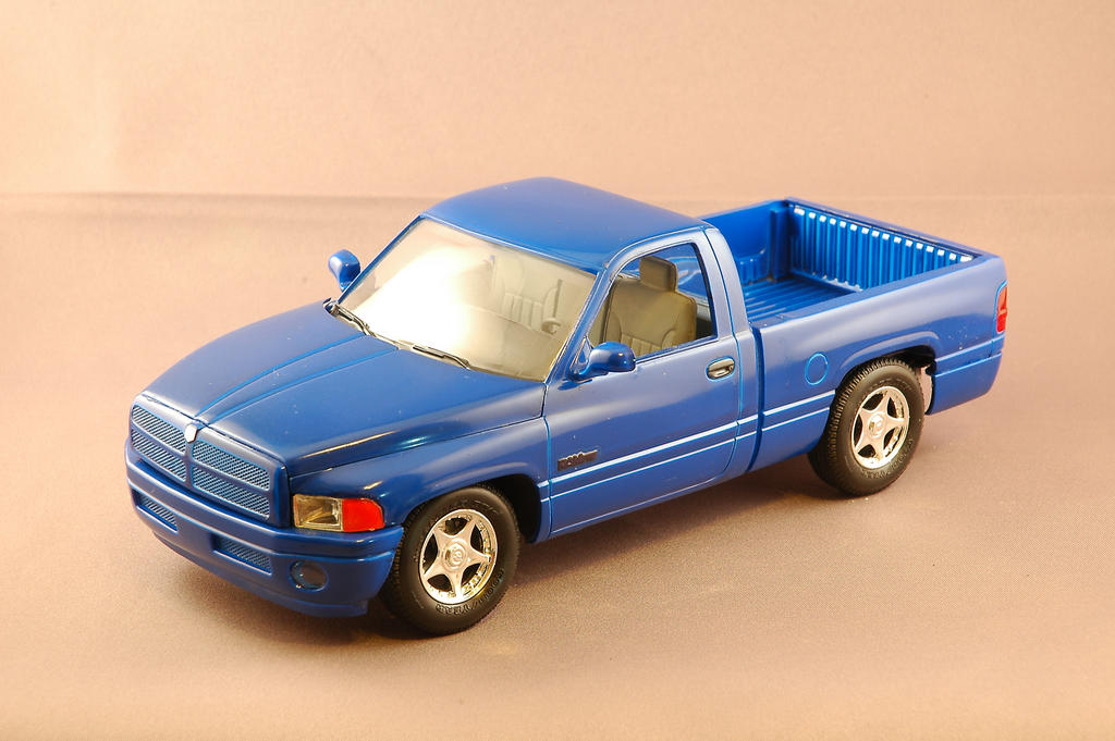 Ls Plastic Model Trucks And Suv Collection October 2005