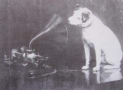 El perro 'Nipper' ante el fonógrafo de Edison