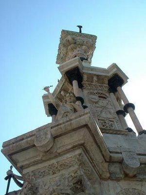Monumento a los Fueros de Navarra. Pamplona, 2005