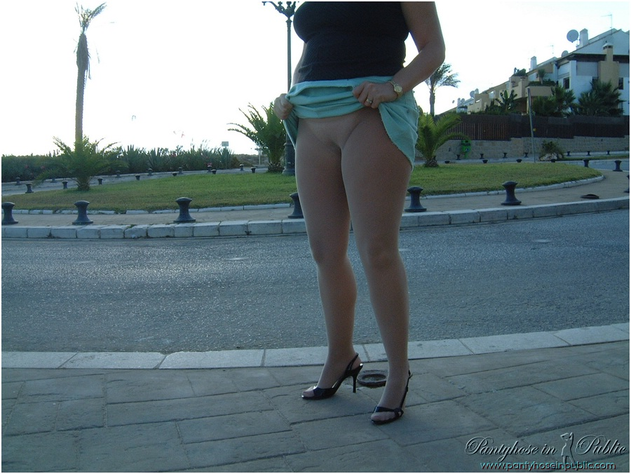 Mature pantyhose in public