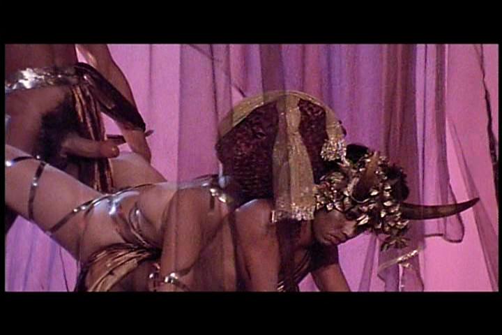 Порно фильмы онлайн калигула