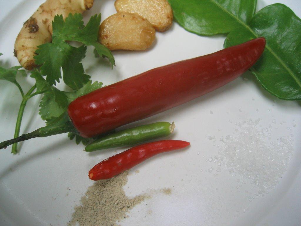 how to make hainanese chicken rice chilli sauce