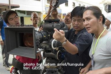 """yasmin ahmad sepet """"sepet"""" is a very misleading title for a movie  yasmin ahmad was brave to point out, albeit indirectly, many issues that troubles chinese and malay alike."""