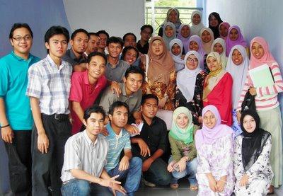 classmates with PM Khairani Ahmad..