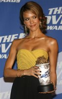 Jessica Alba hosts the 2006 MTV Movie Awards