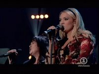 Carrie Underwood with the bigger Wilson sister