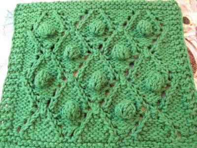 Cable Knit Dishcloth Pattern : Bonbons et Calissons Dishcloth ~ smariek knits