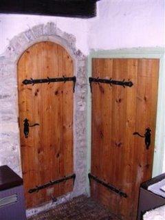 Mlyn interior - sexy doors