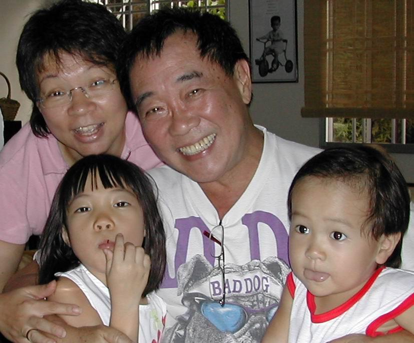 Gong Xi Fa Cai, Koong Hei Fatt Choy, Keong Hee Huat Chai, Selamat Tahun Baru ... - family%20pix