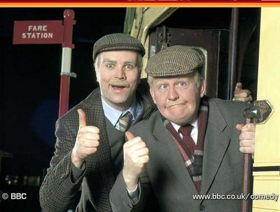 http://photos1.blogger.com/blogger/514/1263/400/stillgame_1.jpg