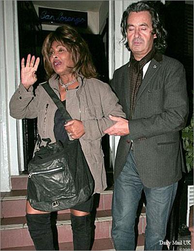 Tina Turner Drunk in London..