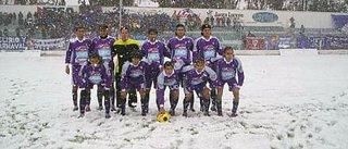 Luján de Cuyo (Mendoza) jugando con nieve